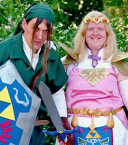 Link and Zelda cosplay